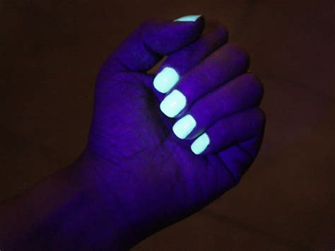 glow in the 3 ways to activate glow in the nail wikihow