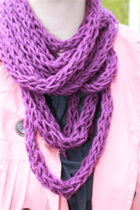 knitting a scarf how to finger knit a scarf tutorial and patterns stitch