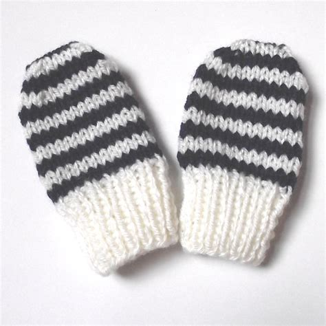 easy knit baby mittens free baby mitten patterns