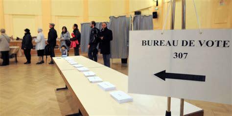 la commission de contr 244 le propose de fermer tous les bureaux de vote 224 la m 234 me heure