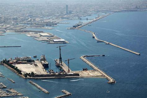 le port de marseille va r 233 parer les plus grands bateaux du