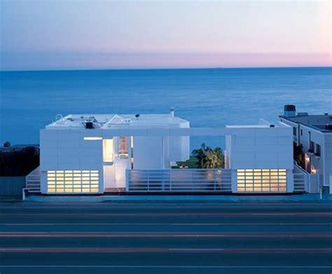 Home Interiors Wall Decor modern white beach house by richard meier in south