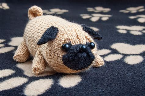knitted pug pattern jolly the pug sincerely louise