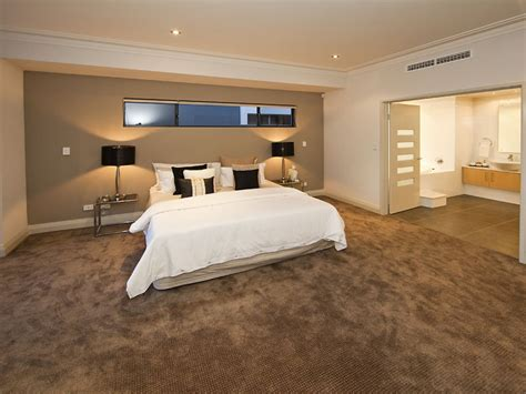 paint colors with brown carpet bedroom with brown carpet about carpets 2017 also