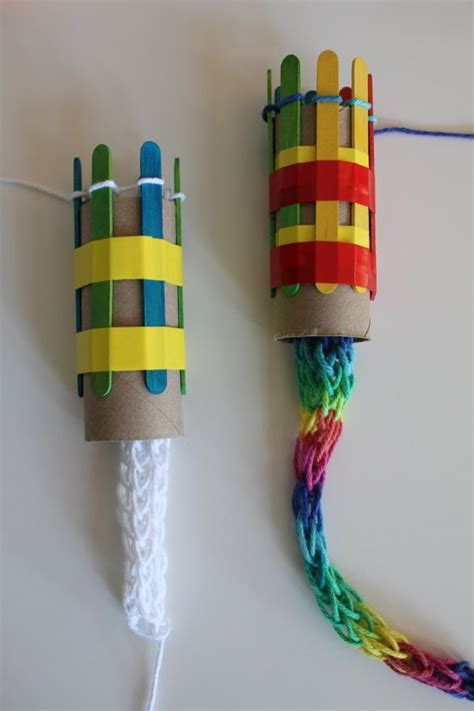 what to make out of yarn without knitting 25 best ideas about easy yarn crafts on yarn