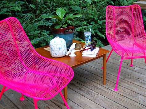 spray painting metal chairs how to paint metal chairs how tos diy