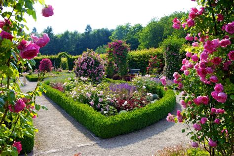 images of beautiful flower gardens beautiful flower garden and lawn ideas flowers wallpaper