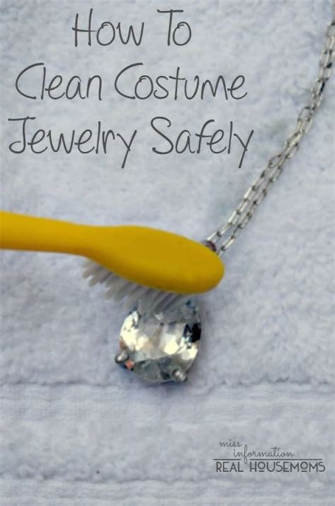 how to make silver jewelry cleaner 1000 ideas about clean sterling silver on