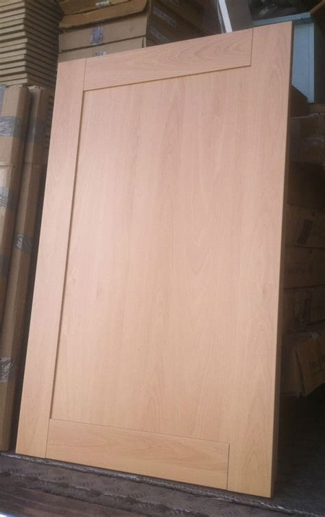 howdens kitchen doors and drawer fronts howdens lyndhurst shaker beech kitchen cupboard door