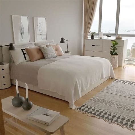 white and gray bedroom 25 best ideas about white grey bedrooms on