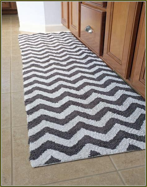 bathroom runner rugs runner rugs for kitchen captainwalt