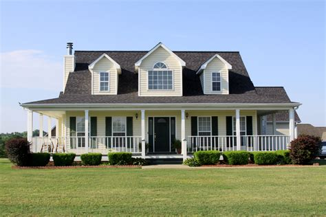 farmhouse style house the ultimate homeowners guide to farmhouses roofing