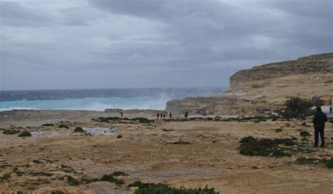 azure window collapse of thrones rock arch collapses into the sea after