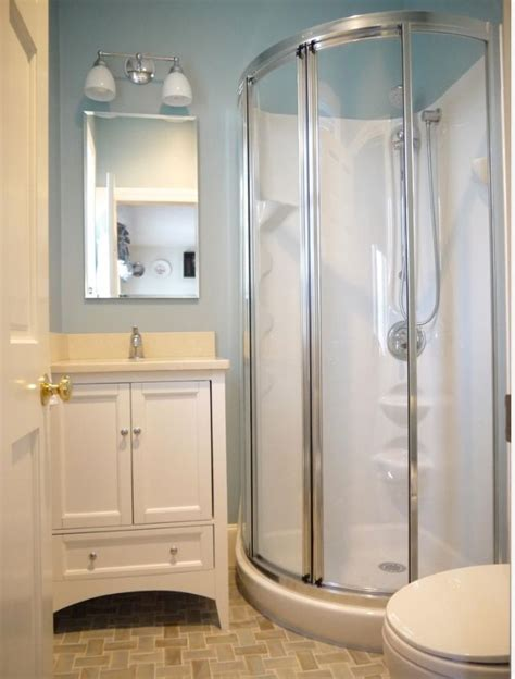 Small Bathroom Ideas With Shower Stall by Best 20 Small Bathroom Showers Ideas On Small