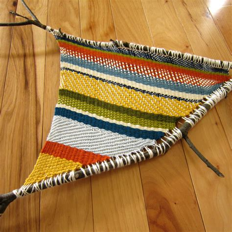 weaving crafts for 11 artsy yarn crafts for
