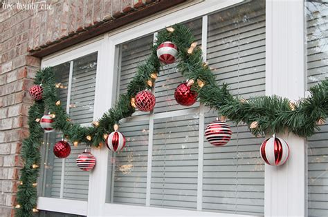 window decorations for outdoor decorations