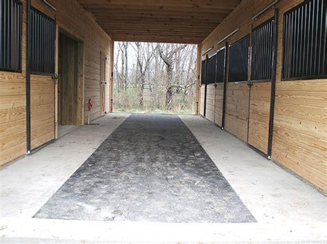 barn floor barn center aisle with stall mats