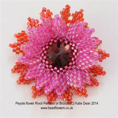 beaded flower pattern peyote stitch flower pattern beadwork by dean