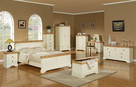 solid oak and painted bedroom furniture ranges available