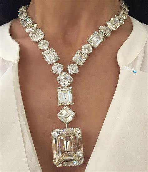 necklace with big 1000 ideas about big necklaces on betsey