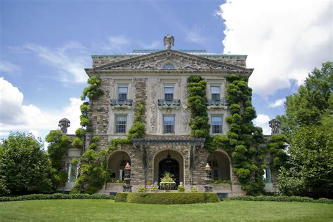 historic mansions open to the public famous american