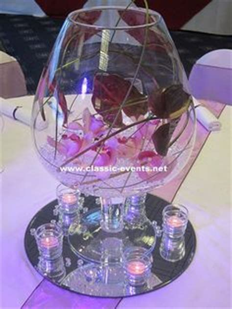 large chagne glass centerpiece wedding centerpiece with large glass vase gerbera