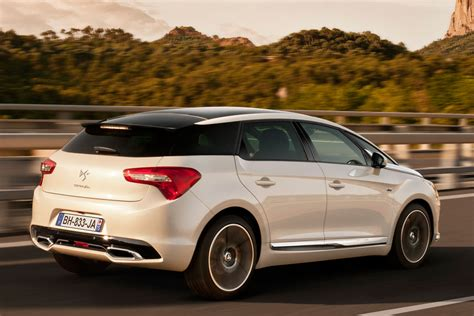 Citroen Ds 5 by Citroen Ds5 2011 Pictures 1 Of 10 Cars Data