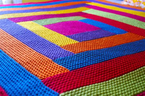 how to finish a knitted blanket knitting blankets and a pattern for mitred squares knit as