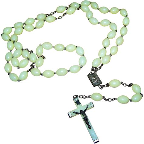 plastic rosary vintage made in italy glow in the plastic style