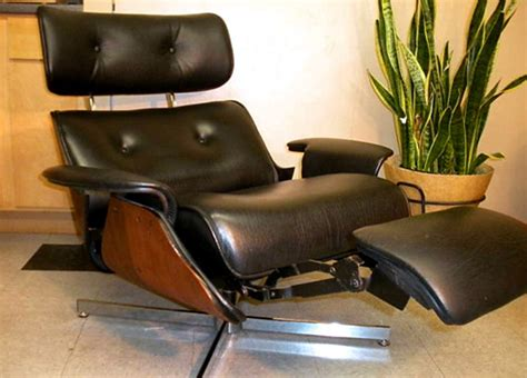 eames chair recliner plycraft eames style recliner with built in footrest 171 the