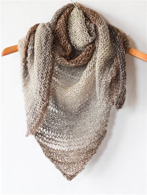 how to knit a simple scarf how to knit an easy triangle wrap in a stitch