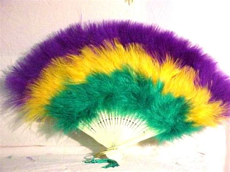 what do the colors of mardi gras teams that should change change back to their uniforms