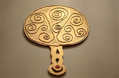 celtic crafts for make a celtic mirror time traveller