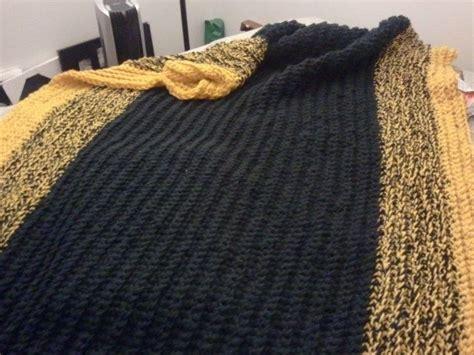 finger knitting blanket pin by amanda m on hobby