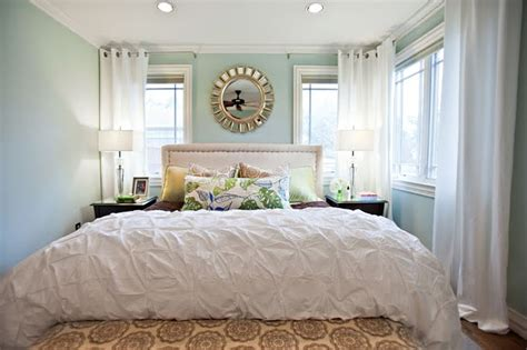 light blue and white bedroom light blue walls blue green and gold accents white