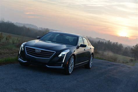 Cadillac Book by Book By Cadillac Hebt Fahrzeugnutzung Auf Ein Neues Niveau