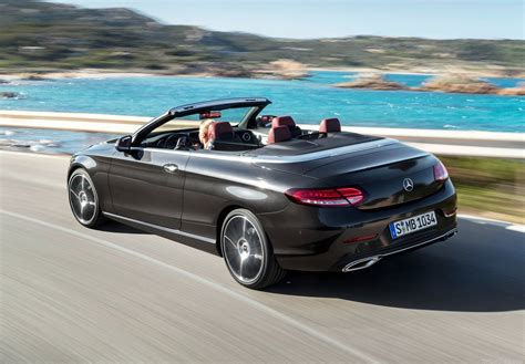Mercedes C by Ook Mercedes C Klasse Coup 233 En Cabrio Vernieuwd Autorai Nl