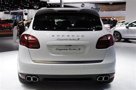 2014 Porsche Cayenne Turbo S by 2014 Porsche Cayenne Turbo S Detroit 2013 Photo Gallery