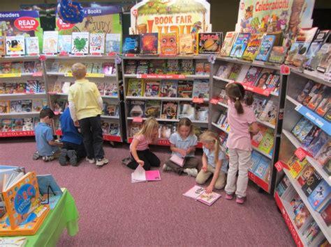 book fair pictures delhi book fair august 2016