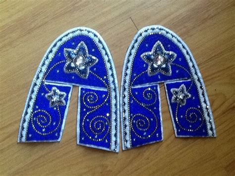 moccasin beading designs 386 best images about moccasins on