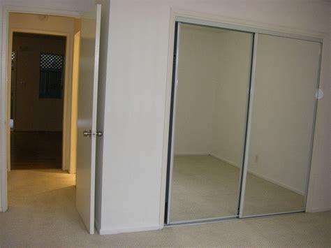 closet sliding mirror doors sliding mirror closet doors winnipeg reversadermcream