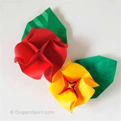 rosa de origami how to make a and easy origami and a leaf