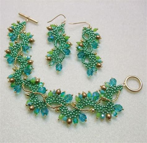 beading designs for bracelets best 25 beading patterns free ideas on seed