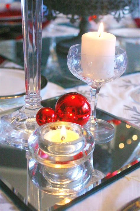 Red & Silver Christmas Table Setting ? Craft Thyme