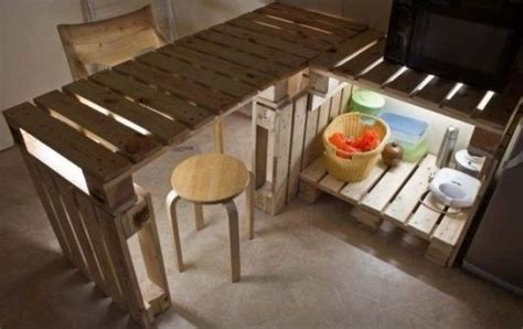 Pallet Kitchen Island m 243 veis de paletes 84 ideias incr 237 veis e passo a passo