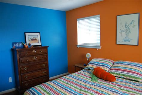 color wall how to paint two colors combination on a wall using