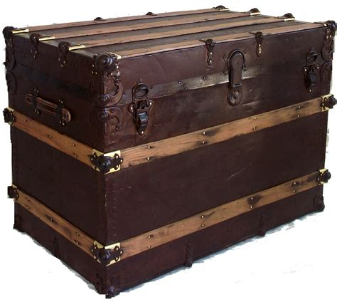 Antique Trunk with Natural Rust Patina   Omero Home