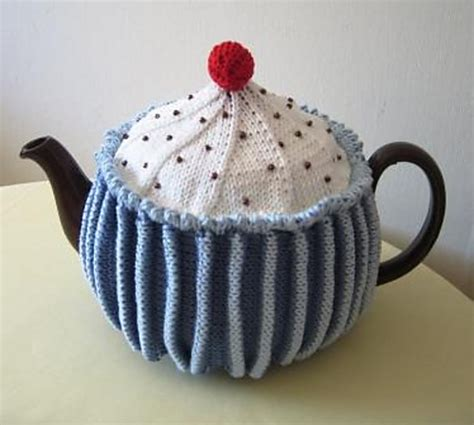 cupcake tea cosy knitting pattern free cupcake tea cosy by crowfoot cosy tea