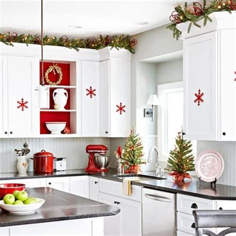 Pinterest Small Living Room Ideas 40 cozy christmas kitchen d 233 cor ideas digsdigs