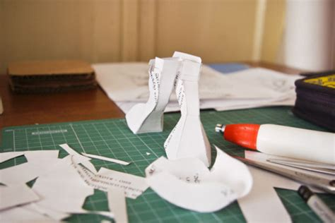 cool paper crafts cool paper craft creations by russians 46 pics